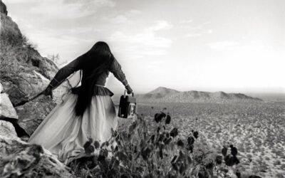 La historia tras la misteriosa foto que el desierto 'regaló' a Graciela Iturbide