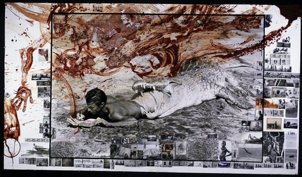 Autorretrato de Peter Beard en la boca de un cocodrilo muerto mientras escribe en su diario