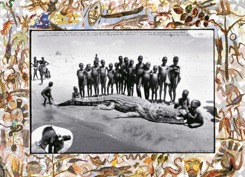 Niños de una tribu africana posan con el cadáver de un cocodrilo. Foto de Peter Beard.
