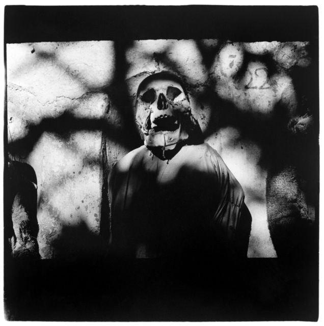 Cadáver en las catacumbas de Palermo. Foto: Peter Hujar.
