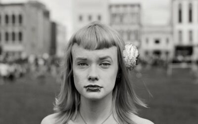 Un curioso y particular viaje por el documentalismo fotográfico: Del tranvía de Robert Frank a la lavadora de Nigel Poor