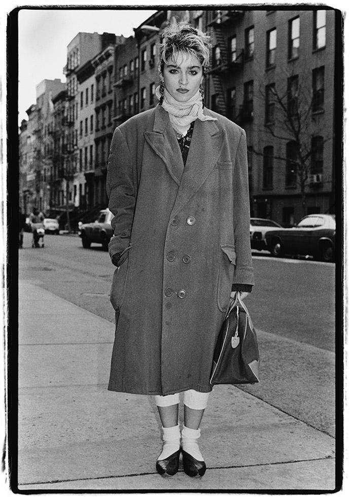Retrato de la cantante Madonna antes de ser famosa por Amy Arbus