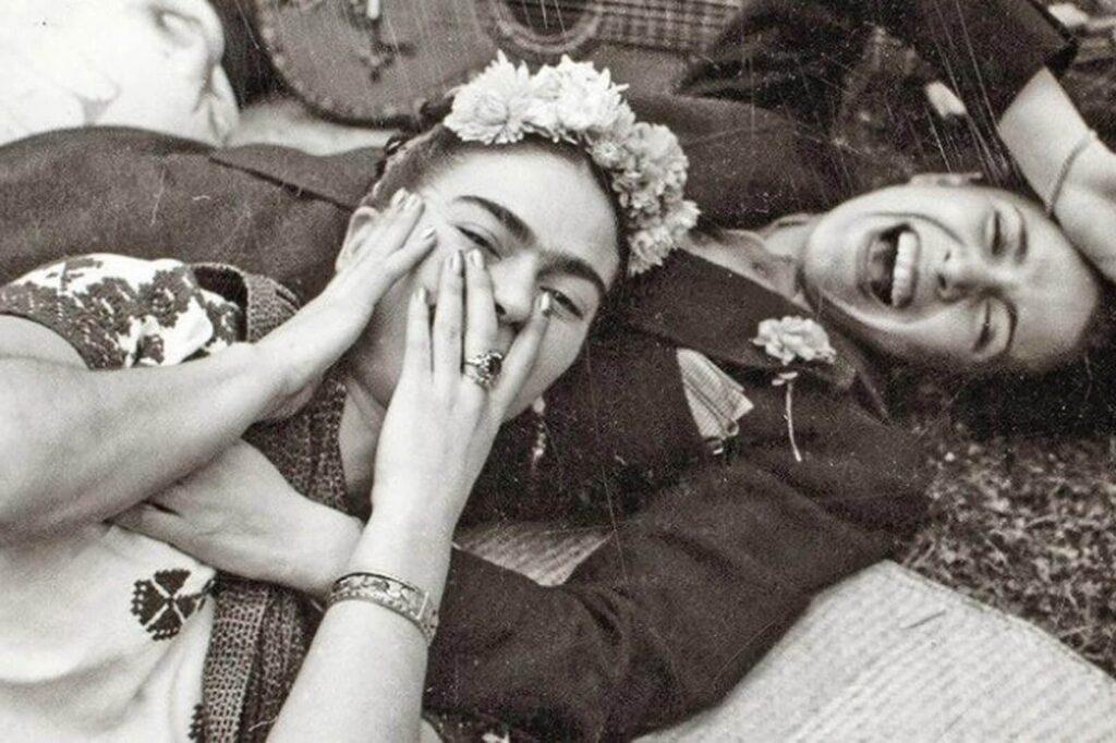 Frida Kahlo con Chavela Vargas. Foto de Nickolas Muray.